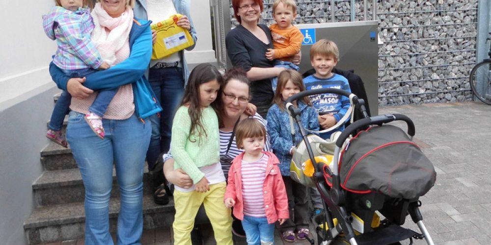 Besuch der Opstapje-Gruppe in der Kath. öffentl. Bücherei Geseke