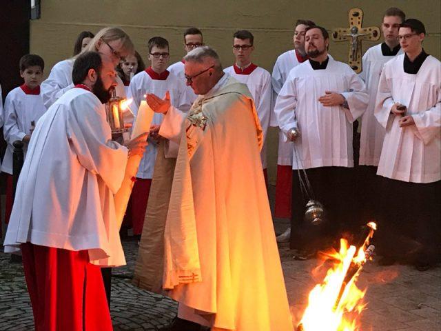 Feierliche Osternacht im Pastoralverbund