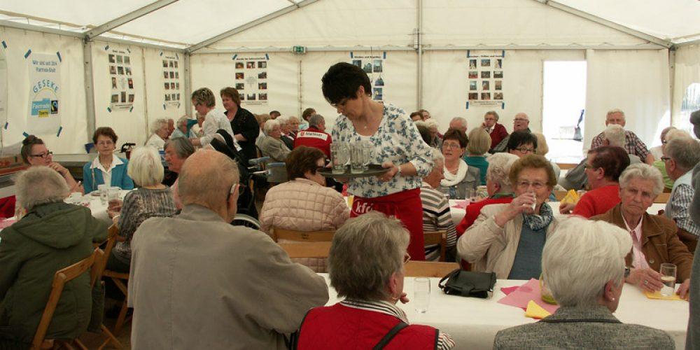 Weit über 100 Senioren zu Besuch