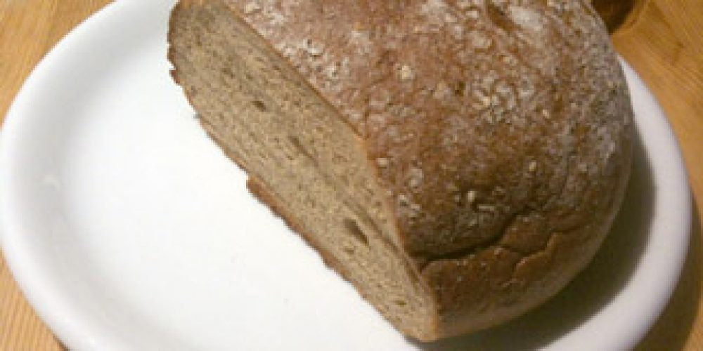 Kommunionkinder backen Brot
